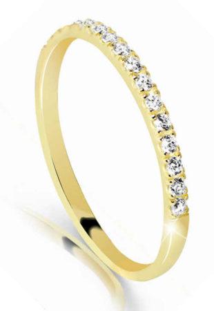 Prstýnek ze žlutého zlata osazen bílými třpytivými zirkonky