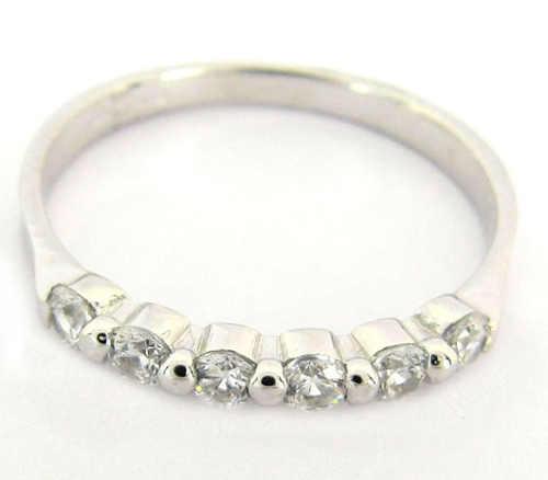 Nádherný zirkonový prsten z bílého zlata pro manželku