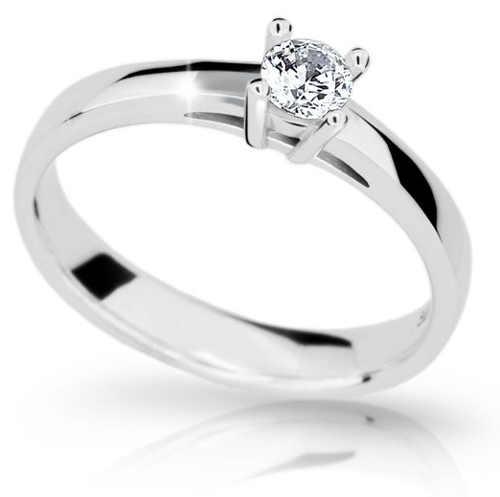 Luxusní zásnubní prsten s velkým briliantem