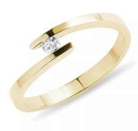 Zlatý dámský prsten do spirály s diamantem