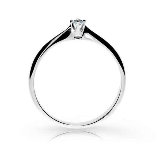 Krásný zlatý zásnubní prsten