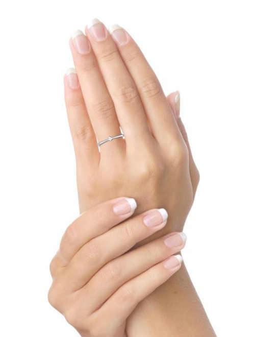 Zásnubní prsten ze zlata s drahokamem