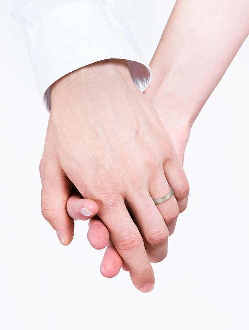 snubní prsteny ze zlata s diamanty