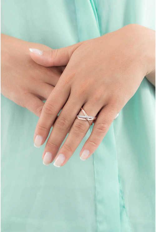 dámský prsten v kombinaci mosaz a zirkony