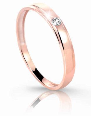 Jemný prsten ze zlata zdobený čirým zirkonem