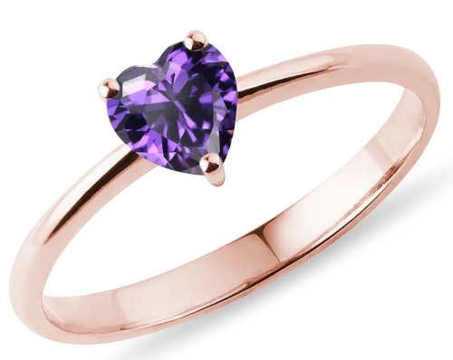 Romantický prsten z růžového zlata s ametystem ve tvaru srdce