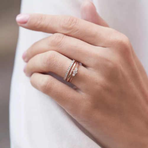 diamantový zásnubní prsten ze zlata