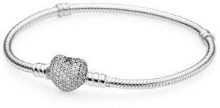 Stříbrný náramek Pandora s třpytícím srdcem