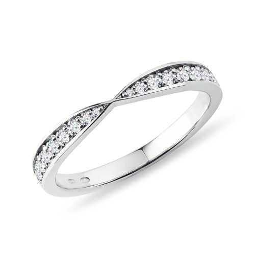 Dámský zlatý prsten s diamanty