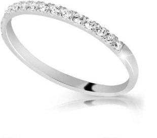 Dámský zlatý prsten zdobený brilianty