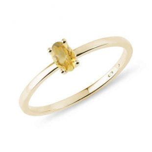 Zlatý minimalistický prsten zdobený citrínem
