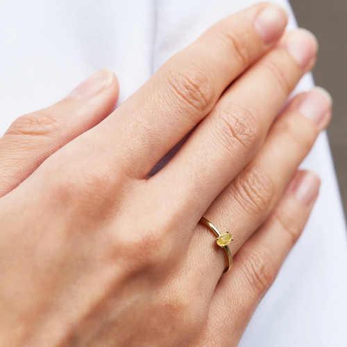elegantní prsten s citrínem